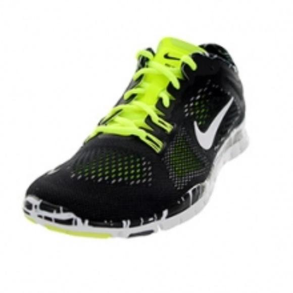fe0b55f0fe40 Nike Free 5.0 Flyknit TR Fit 4 Running Shoes - 9.5.  M 5a7b60f3331627df653b4df3